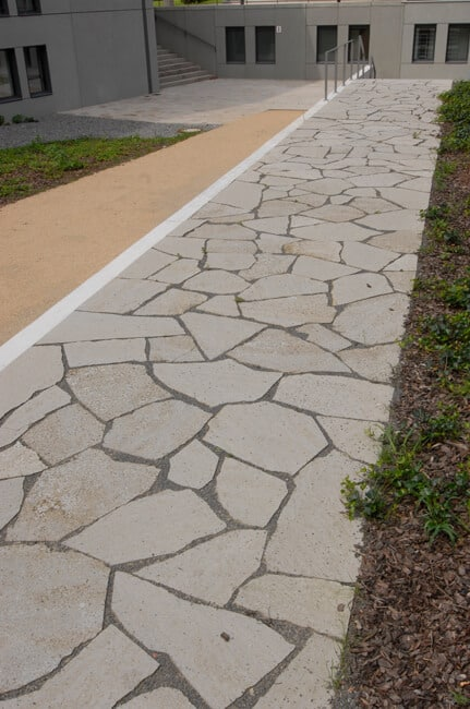 Gartenplatten Weg