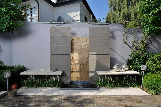 Wandbrunnen aus Naturstein