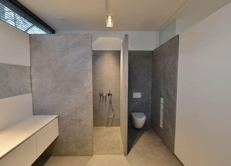 Naturstein-Dusche - 10 Ideen + Tipps zum Versiegeln & Reinigen