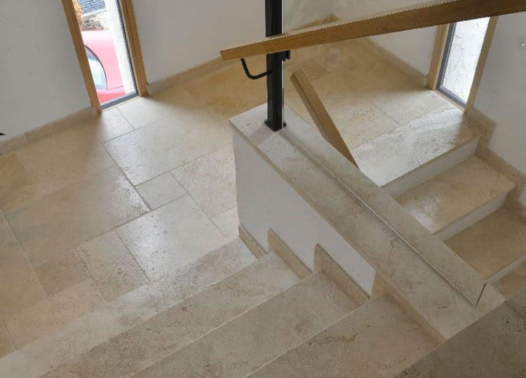 Bodenplatten-Römischer-Verband-Travertin-Troja-hell-innen-3