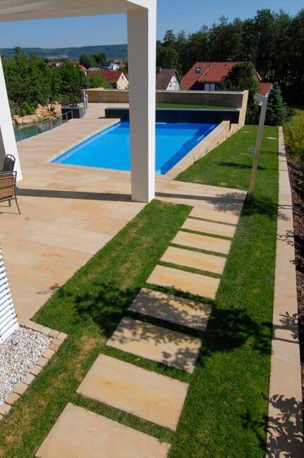 Gartenplatten aus Naturstein