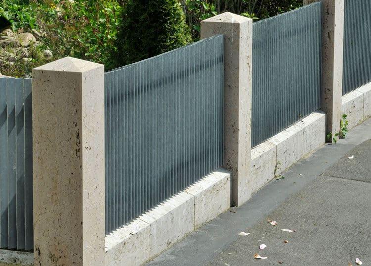 Pfeiler-und-Abdeckplatten-Travertin-Troja-2