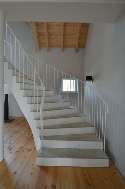 Treppe aus Muschelkalk