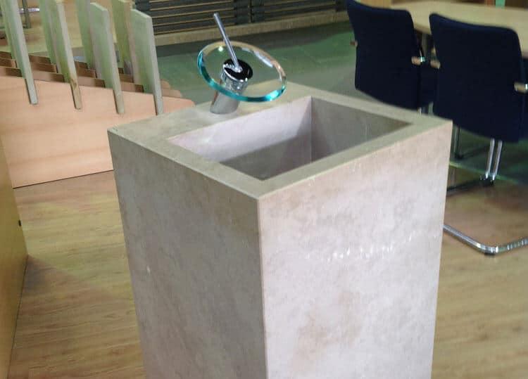 Waschstele-Kalkstein