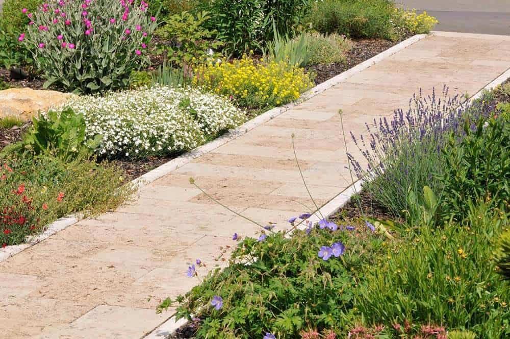 Gartenplatten (in Bahnen) aus Travertin (Troja)