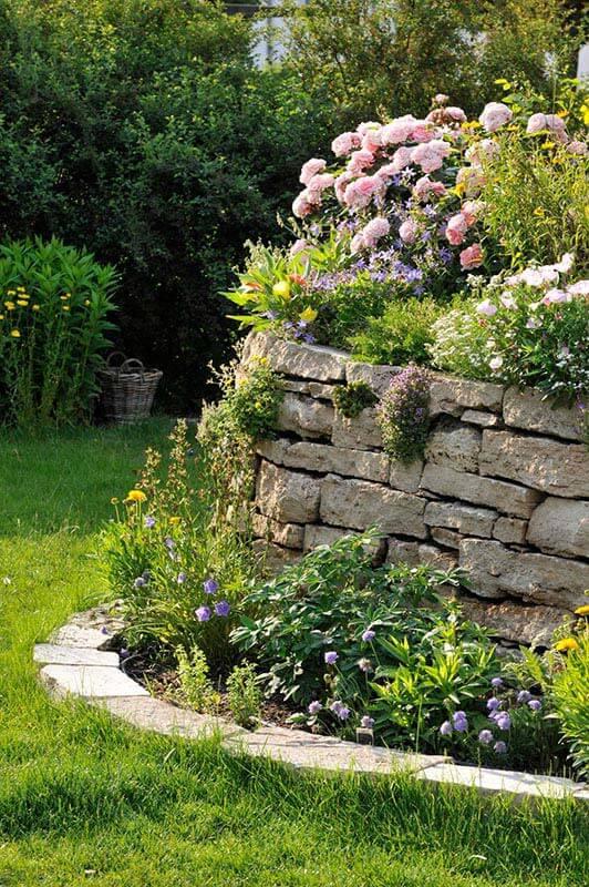 Mauersteine aus Travertin (Troja) außen
