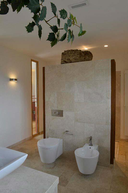 Natursteinbad aus Travertin (Troja) Toilette