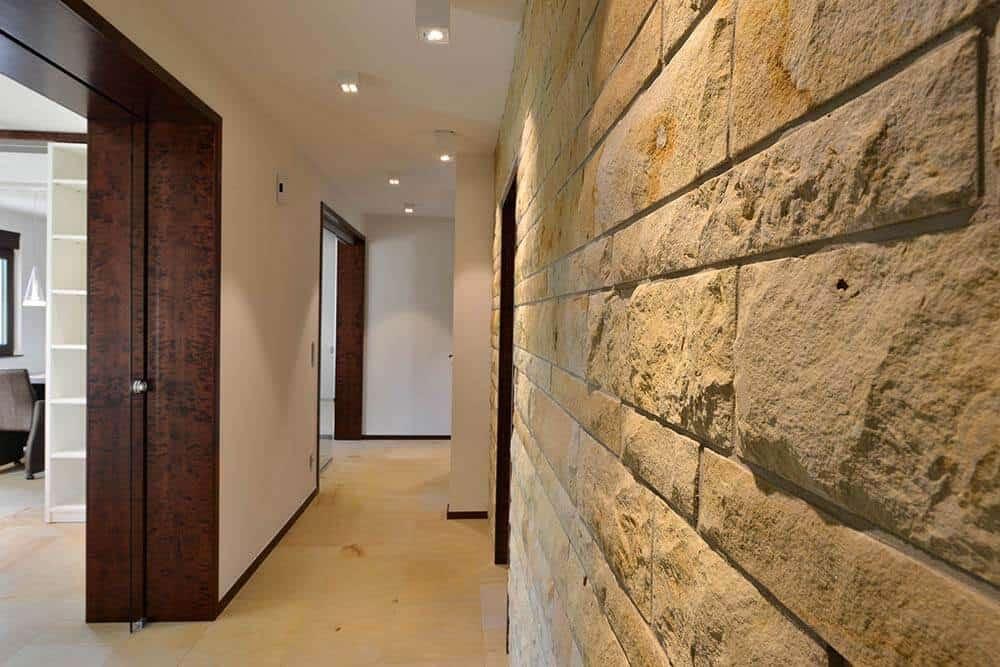 Verblendung-bossiert-Sandstein-Luxor-(2)