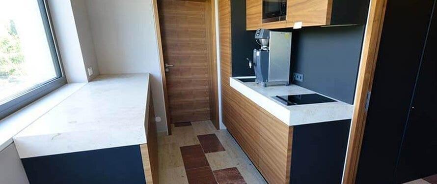 k chenarbeitsplatte aus holz naturstein im vergleich. Black Bedroom Furniture Sets. Home Design Ideas