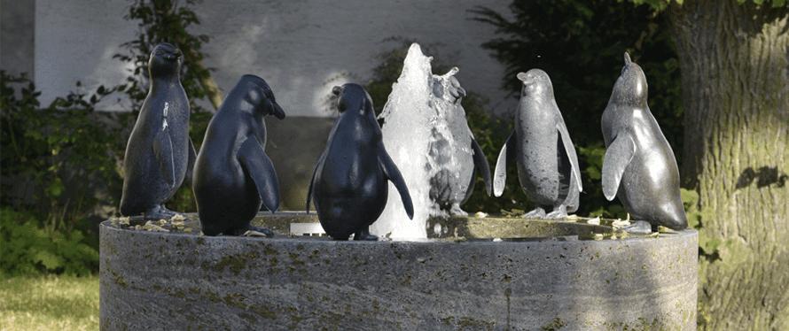 Brunnen mit Pinguinen
