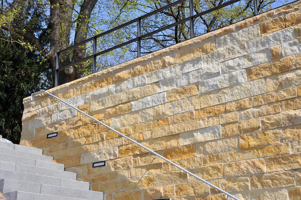 Wandverkleidung für Treppenaufgänge