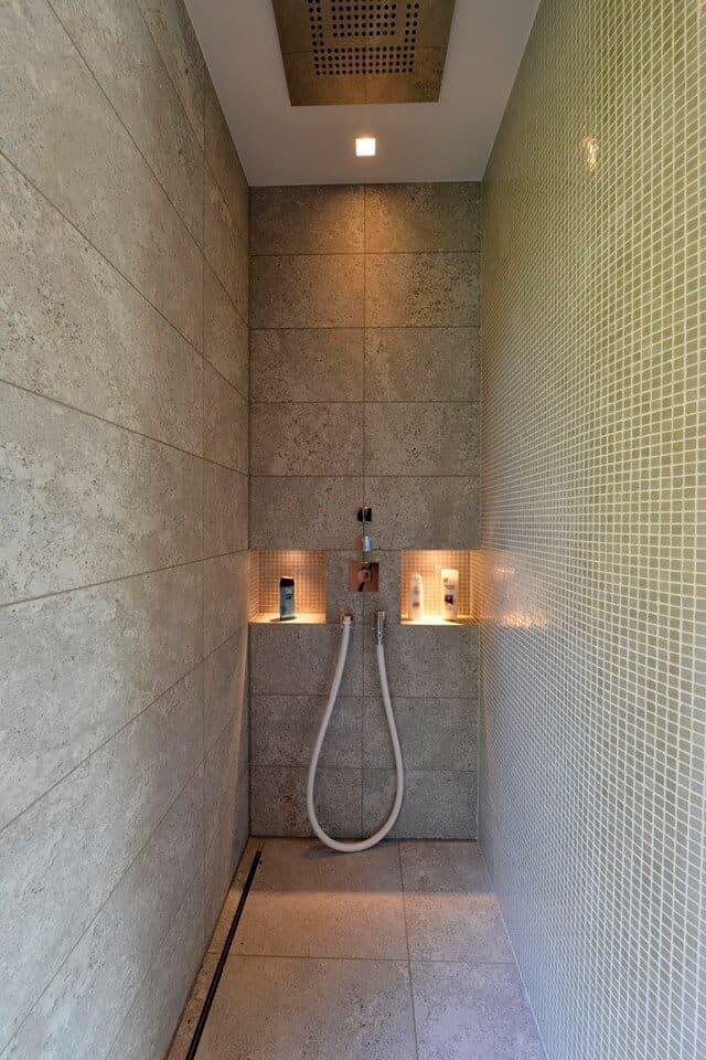 Wandverkleidung in der Dusche