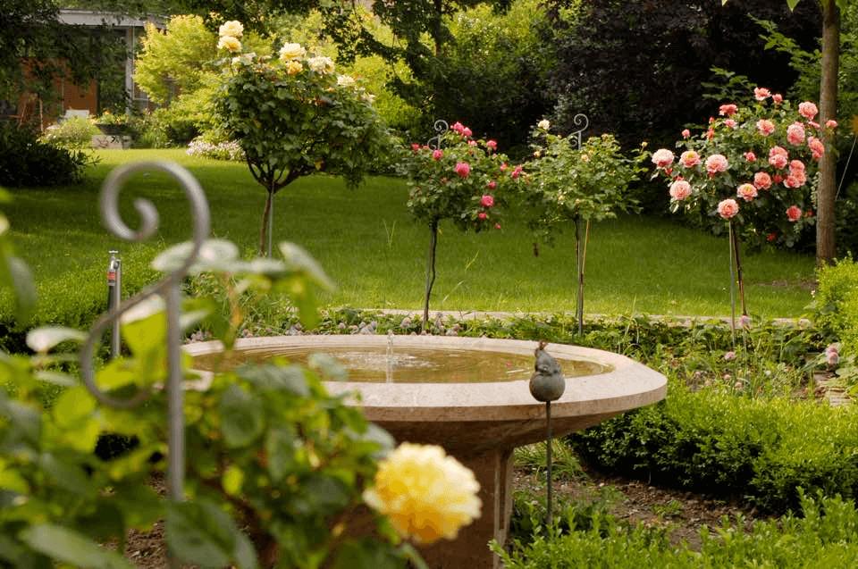 natursteinbrunnen f r den garten materialien formen