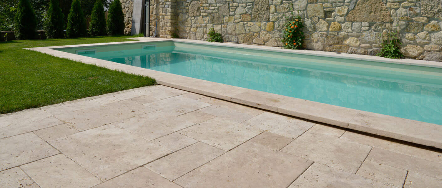 Terrassenplatten Travertin Troja hell römischer Verband