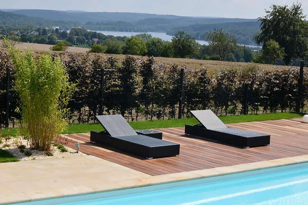Terrassenplatten in Kombination mit Holz