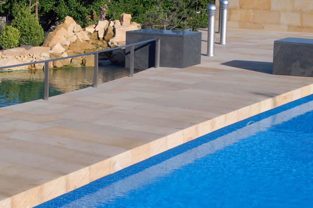 Sandsteinplatten für einen modernen Look