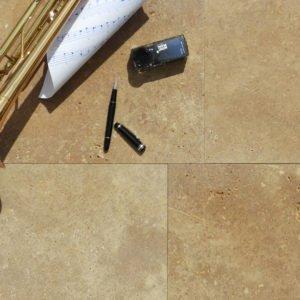 Bodenplatte Travertin Troja (Bahnen) für Außenbereiche