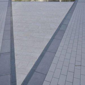 Bodenplatte Travertin Troja hell (Bahnen) für Außenbereiche