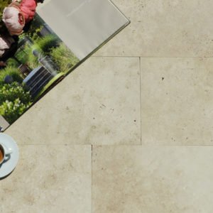 Gartenplatte Travertin Troja hell (Bahnen)