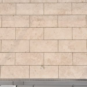 Terrassenplatte Travertin Troja hell (Bahnen)